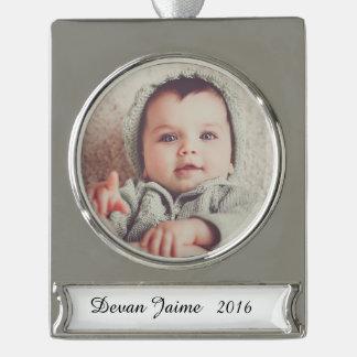 Fügen Sie Ihr Foto dieser niedlichen Verzierung Banner-Ornament Silber