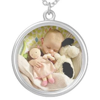 Fügen Sie Ihr Lieblingsbaby-Foto diesem Locket