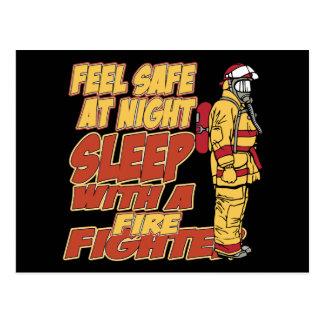Fühlensicheres, Schlaf mit einem Feuerwehrmann Postkarte