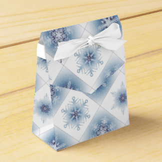 Funkelnd blaue Schneeflocken Geschenkschachtel