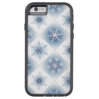 Funkelnd blaue Schneeflocken Tough Xtreme iPhone 6 Hülle