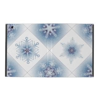 Funkelnd blaue Schneeflocken iPad Schutzhüllen