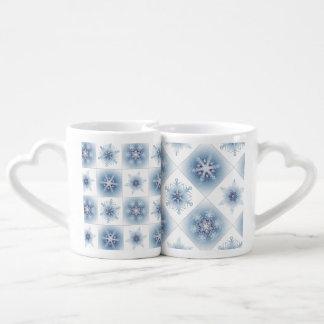 Funkelnd blaue Schneeflocken Duo-Tassen