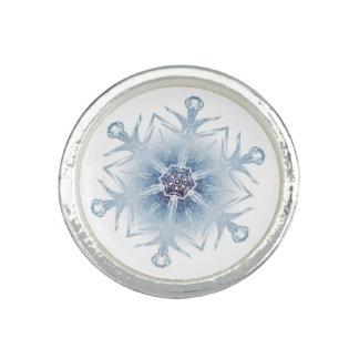 Funkelnd blaue Schneeflocken Ringe