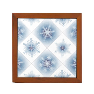 Funkelnd blaue Schneeflocken