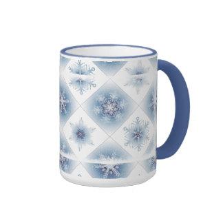 Funkelnd blaue Schneeflocken Teetasse