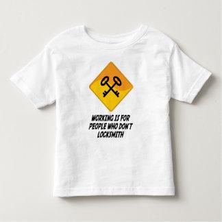 Funktion ist für Leute, die nicht Bauschlosser tun Kleinkind T-shirt
