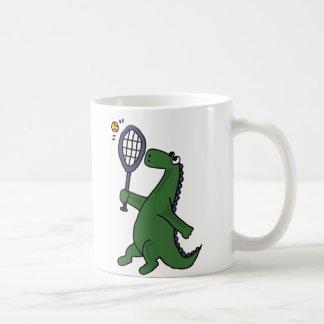 Funky Dinosaurier, der Tennis-Cartoon spielt Kaffeetasse