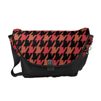 Funky Hahnentrittmuster-Muster im roten Gewürz Kurier Tasche