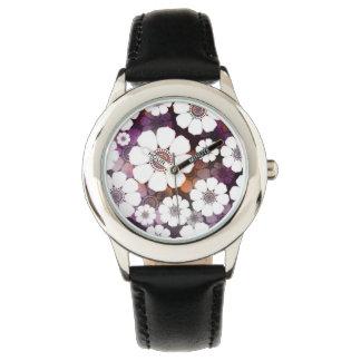 Funky lila Blumen-Power Uhr