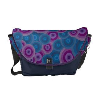 Funky lila u. blaue Retro Kreise Kurier Tasche
