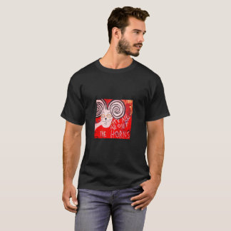 Funky schwarzer T - Shirt mit hornigem RAM
