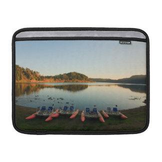 Furnas See am Sonnenuntergang MacBook Air Sleeve