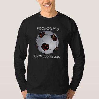 Fußball-Ball des Voodoo-'98 - Gebrauch mit dunklem Shirts