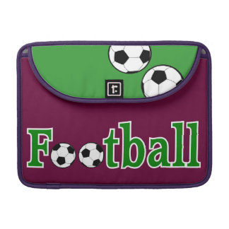 Fußball mit Bällen MacBook Pro Sleeve