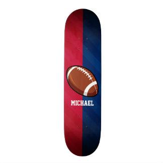 Fußball; Rot, weiß und Blau Bedrucktes Skateboard