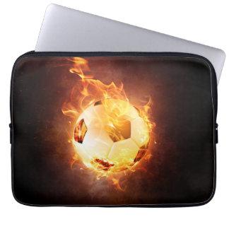 Fußball unter Feuer, Ball, Fußball Laptop Sleeve