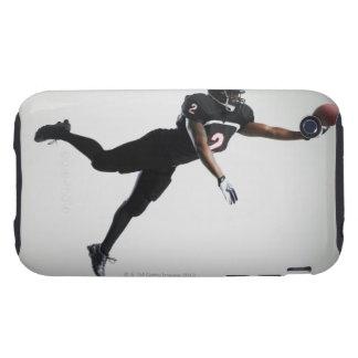 Fußballspieler, der in mittlere Luft springt, um B iPhone 3 Tough Hülle