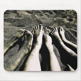 Füße auf dem Strand Mousepads