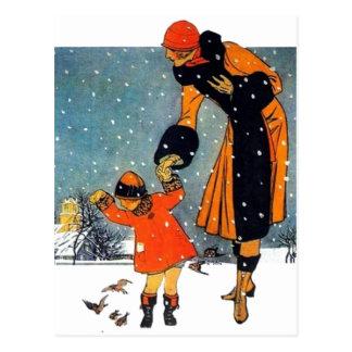 Füttern der Vögel im Schnee Postkarte