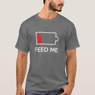 Füttern Sie mir niedrige Power-Batterie T-Shirt