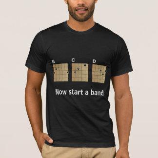 G C D… beginnen jetzt ein Band T-Shirt