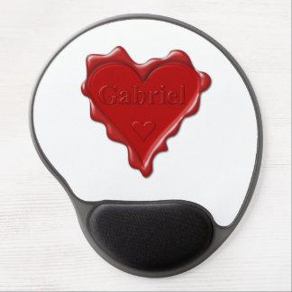 Gabriel. Rotes Herzwachs-Siegel mit Namensgabriel Gel Mousepad