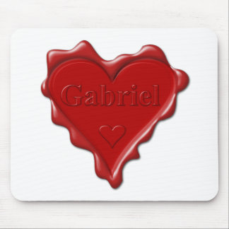 Gabriel. Rotes Herzwachs-Siegel mit Namensgabriel Mousepad