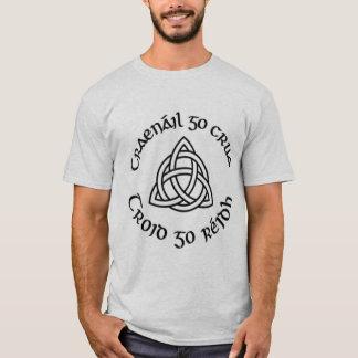 """Gälischer """"Zug stark, kämpfen einfaches """" T-Shirt"""