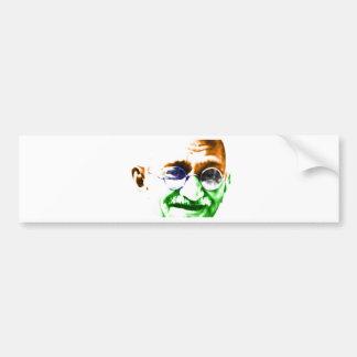 Gandhi auf subtiler indischer Flagge Autoaufkleber