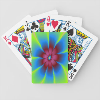 Gänseblümchen in Burgunder und in den blauen Bicycle Spielkarten
