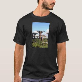 Gärten durch die Waldung Bucht-Singapurs Supertree T-Shirt