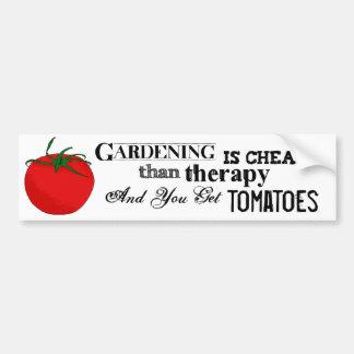 Gartenarbeit = Therapie + Tomaten Autoaufkleber