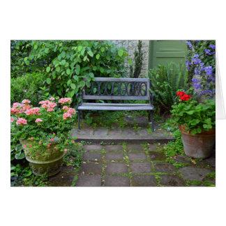 Gartenbank auf Sommerpatio Grußkarte