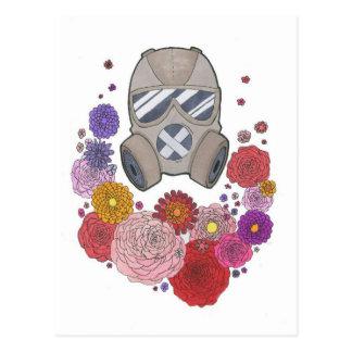 Gasmask&flowers Postkarte