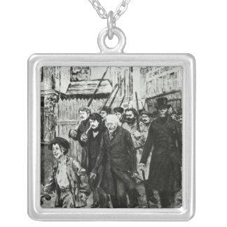 Gavroche, das eine Demonstration führt Halskette Mit Quadratischem Anhänger