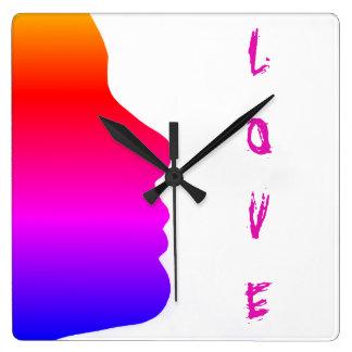 Gay Pride-Liebe-Regenbogen-Silhouette eines Quadratische Wanduhr