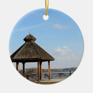 Gazebo über See Keramik Ornament
