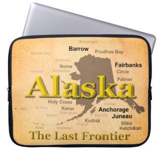 Gealterte Alaska-Karten-Silhouette Laptopschutzhülle