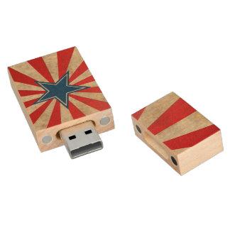 Gealterter Ruhm - Rot, Weiß und Blau Holz USB Stick