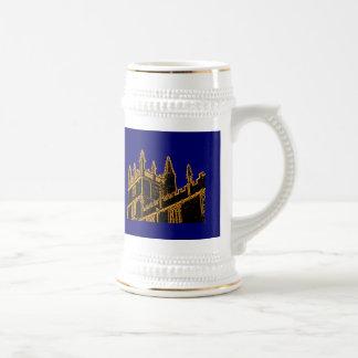 Gebäude 1986 Oxfords England windt sich Gold Bierglas