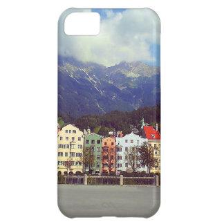 Gebäude auf einem Fluss iPhone 5C Cover