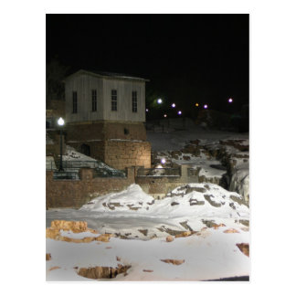 Gebäude durch Fluss Sioux Falls Sd Postkarten