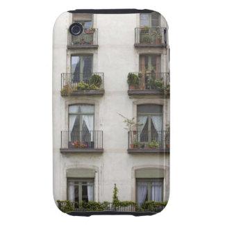 Gebäude mit Balkonen Tough iPhone 3 Hüllen
