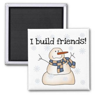 Gebäude-Schnee-Freund-T-Shirts und Geschenke Quadratischer Magnet
