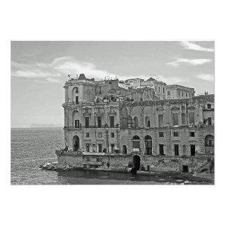 Gebäude und Meer Fotodruck