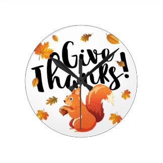 Geben Sie Dank-Herbst-Eichhörnchen Runde Wanduhr