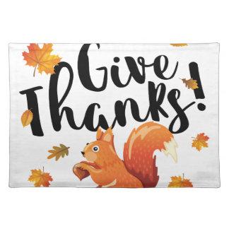 Geben Sie Dank-Herbst-Eichhörnchen Stofftischset