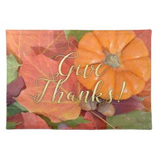 Geben Sie Dank-Skript-Typografie-Herbst-Erntedank Stofftischset