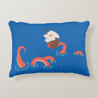 Geben Sie das Kraken frei Dekokissen